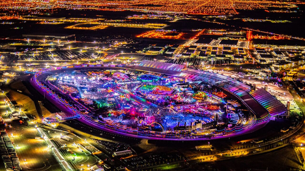 Wind forces stage closures at EDC, many leave after being