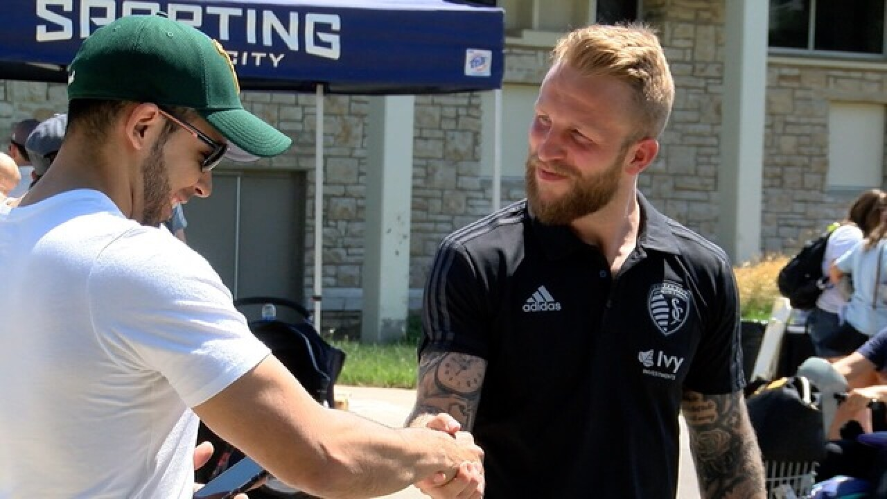 Sporting KC visits the zoo