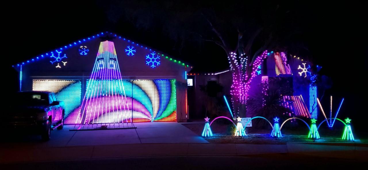 Carlos Cruz Christmas house.png