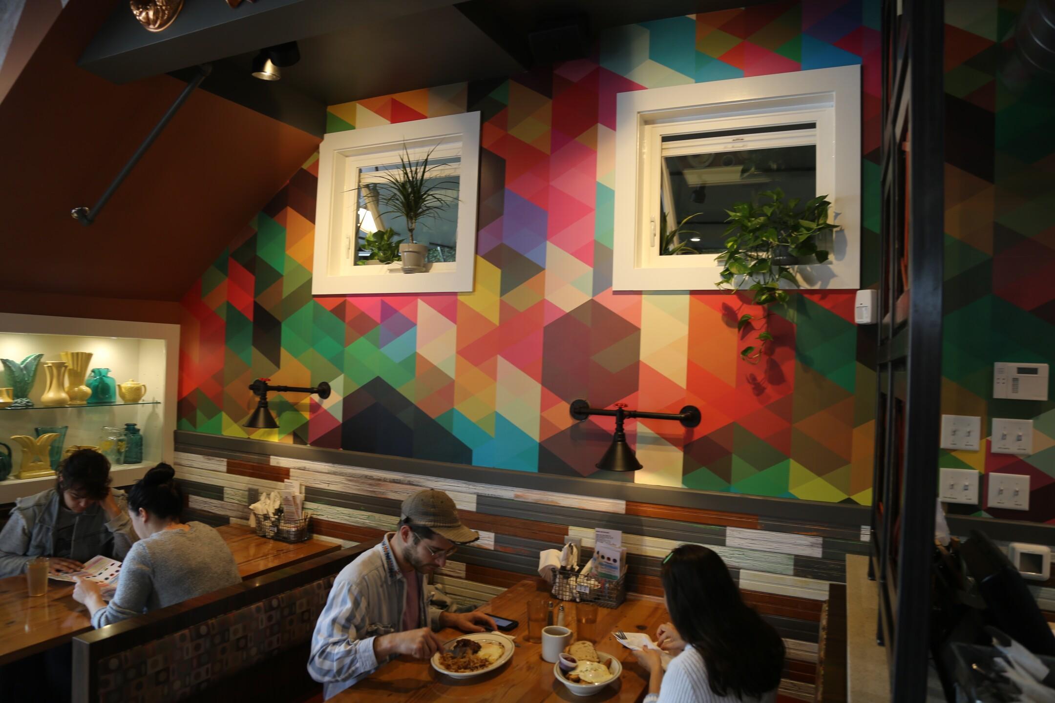 Art and Interior 2.JPG