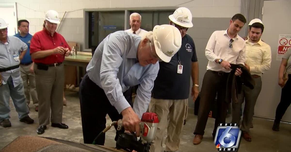 US Senator in town for carpentry skills program