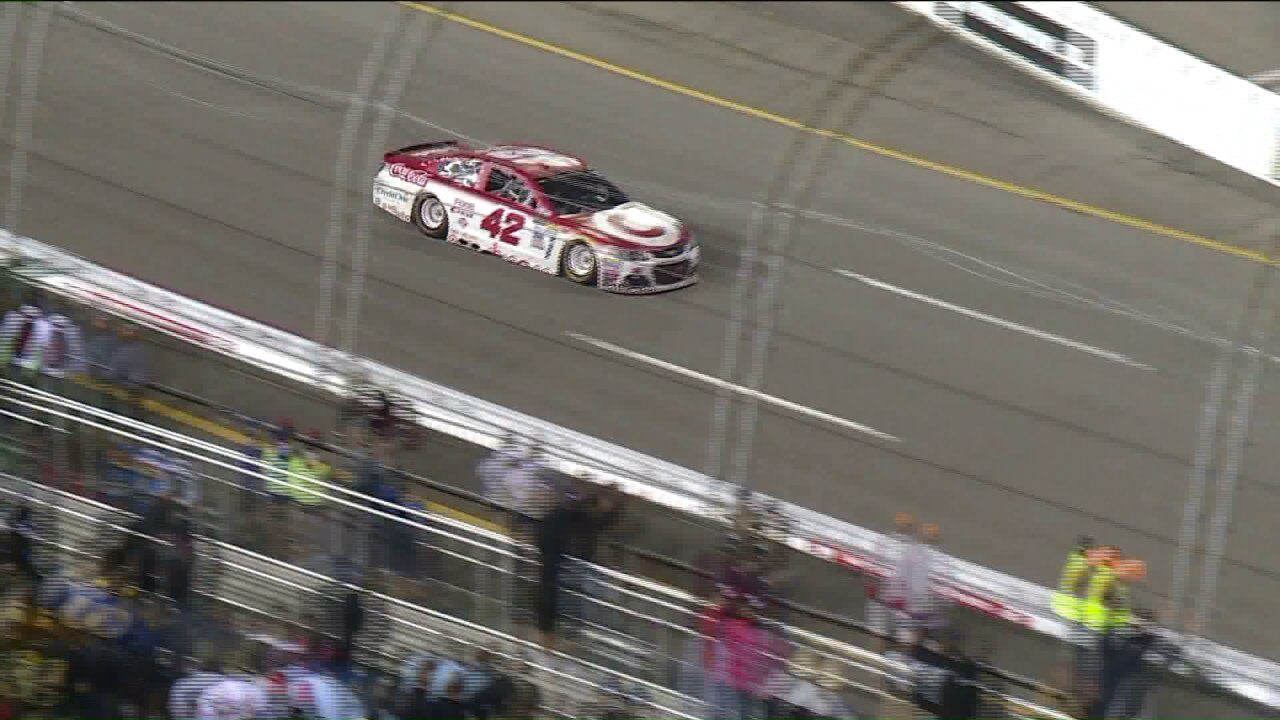 Kyle Larson wins at Richmond in OT