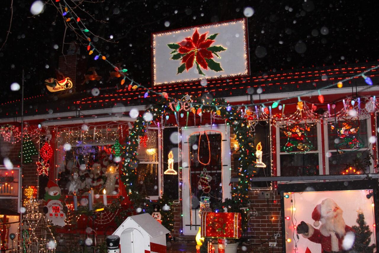Marvin Burger's Hampton Christmas light display
