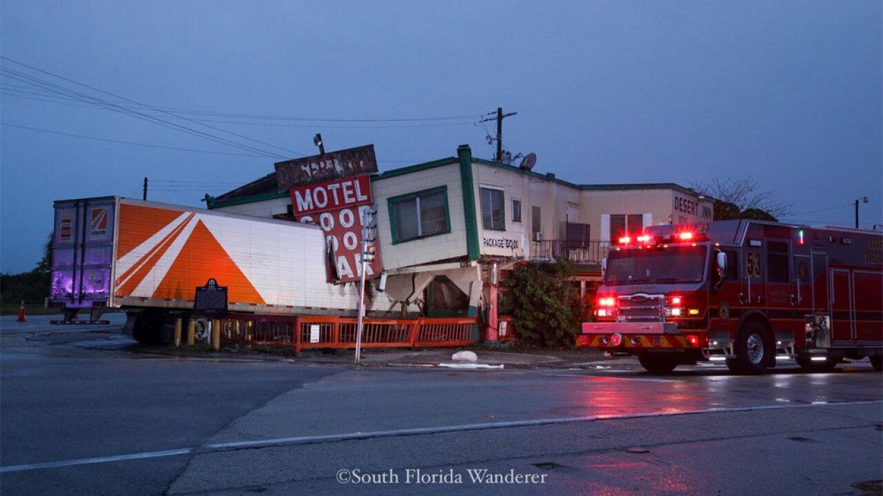 WPTV-Desert-Inn-crash-122219-04.jpg