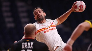 Spain survives for one-point handball win over No. 1 Germany