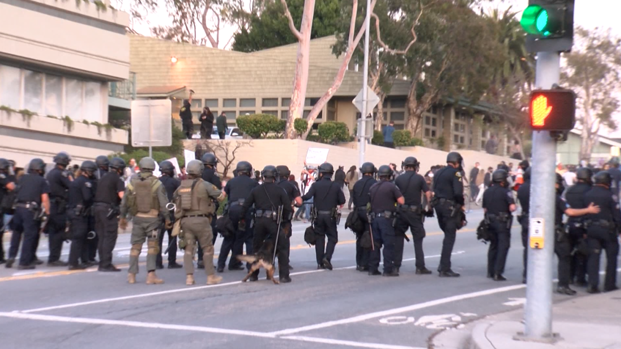 police slo protest.PNG