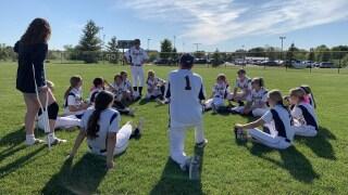 Hudsonville softball advances to district semifinals