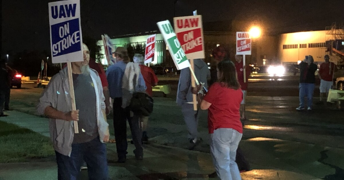 WNY auto workers go on strike against GM