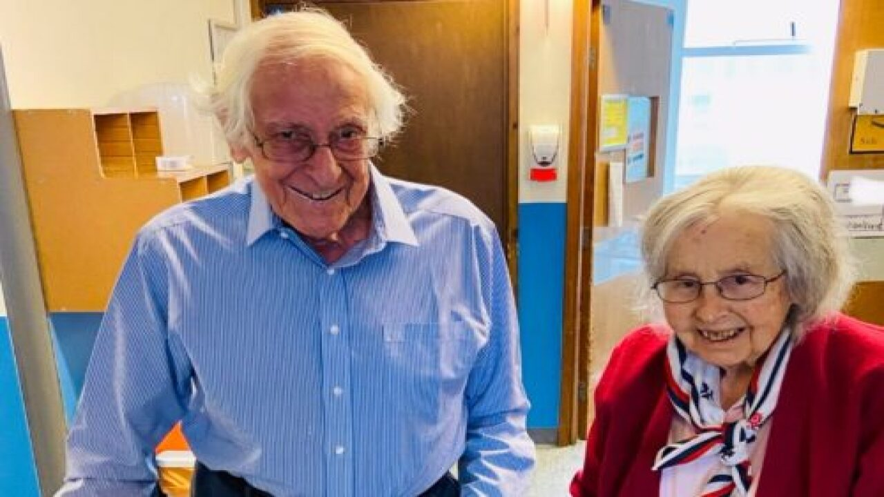 91-year-old Man And 88-year-old Wife Beat COVID-19 Together