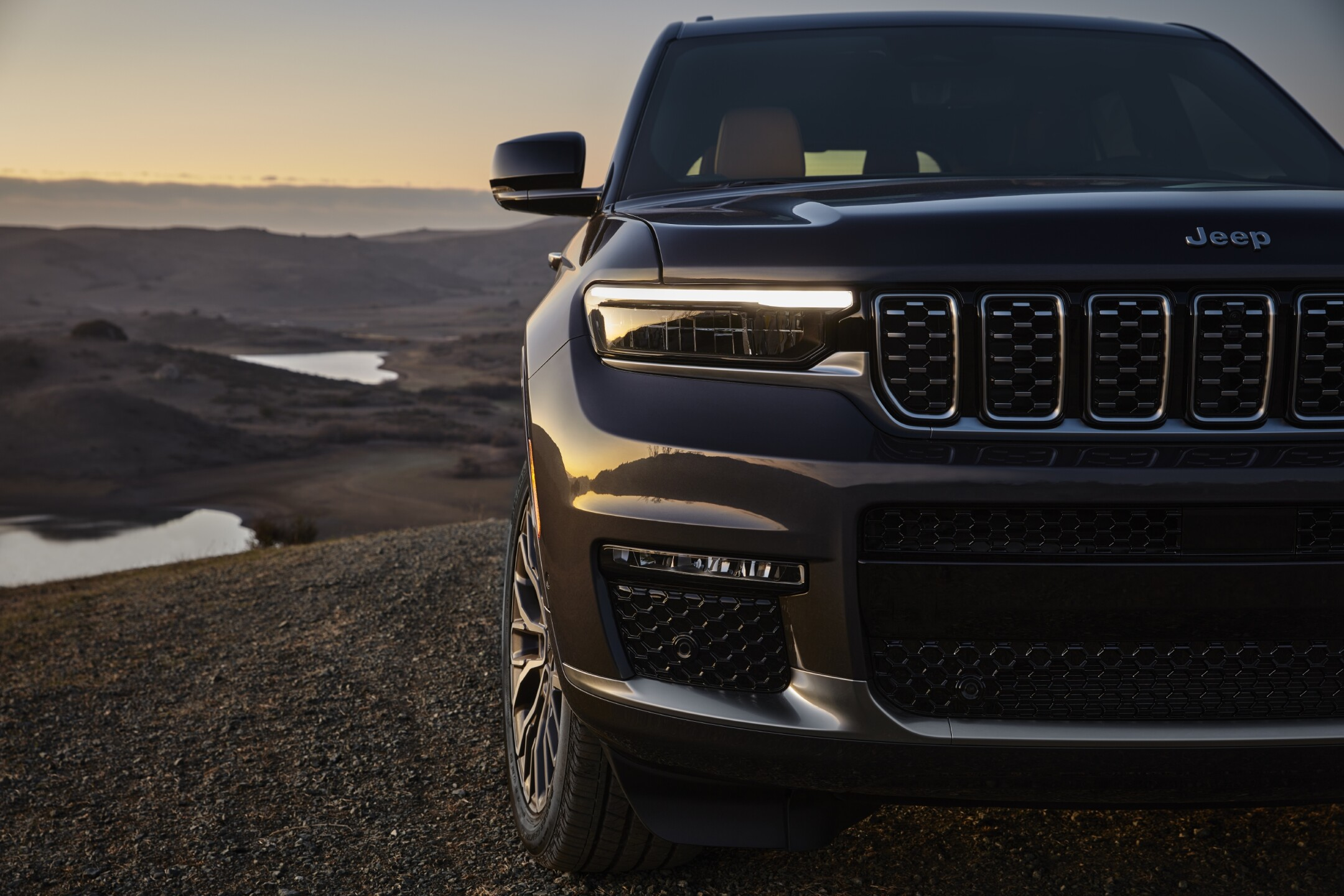All-new 2021 Jeep® Grand Cherokee L Summit Reservefeatures all-