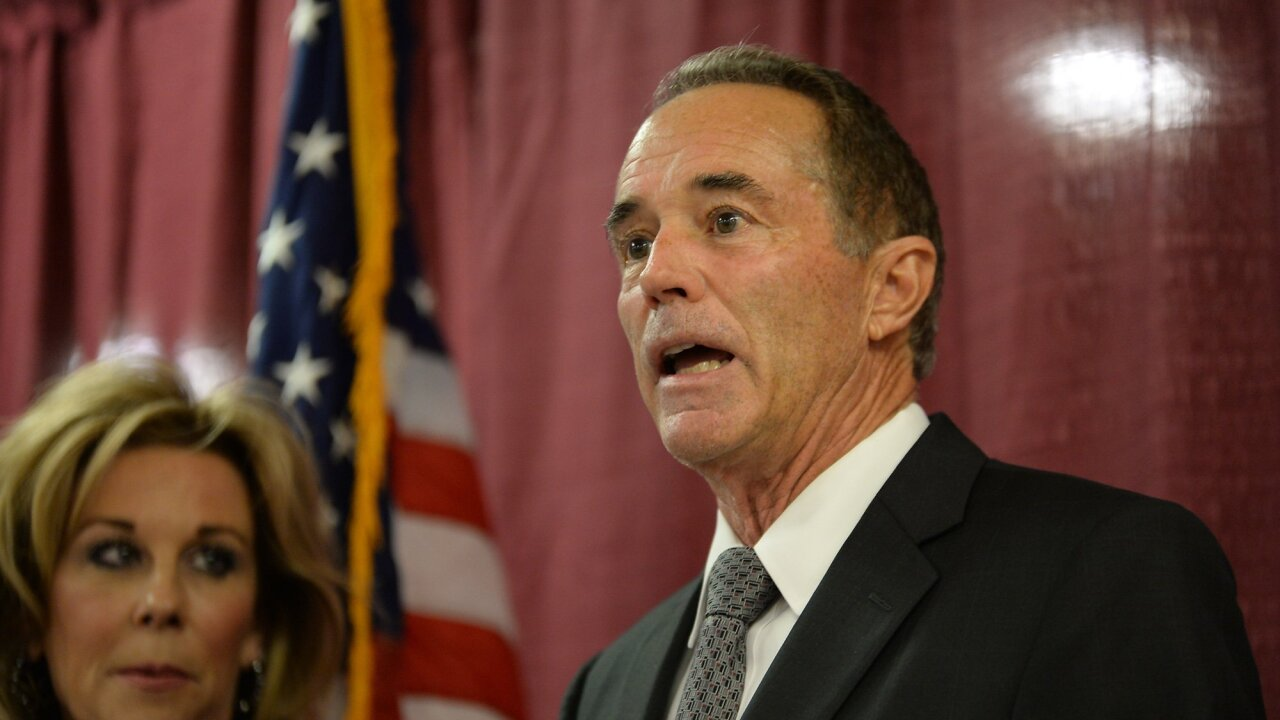 Rep. Chris Collins to resign amid plans to plead guilty in insider trading case
