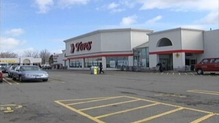 Tops gets approval to close stores