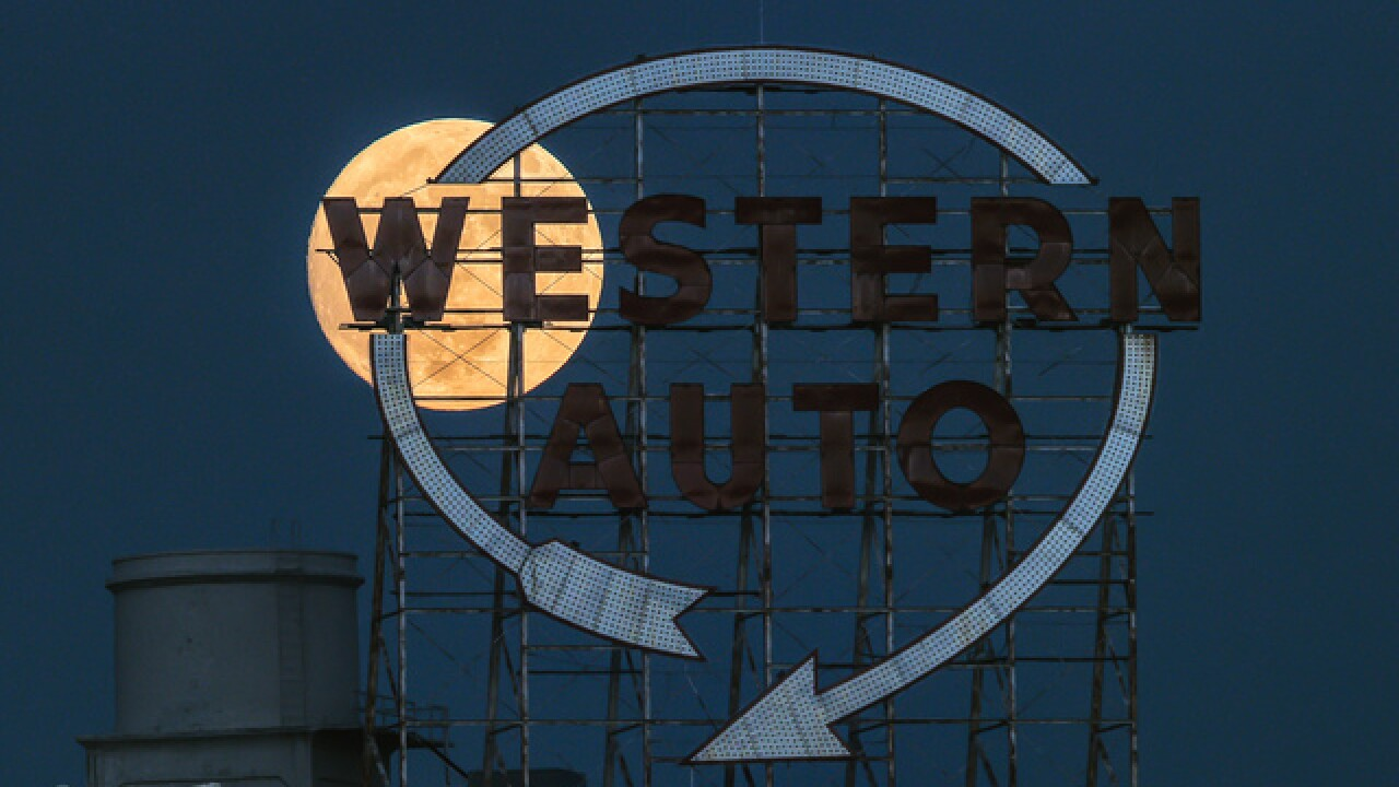 Kansas City's iconic Western Auto sign will again light up downtown skyline