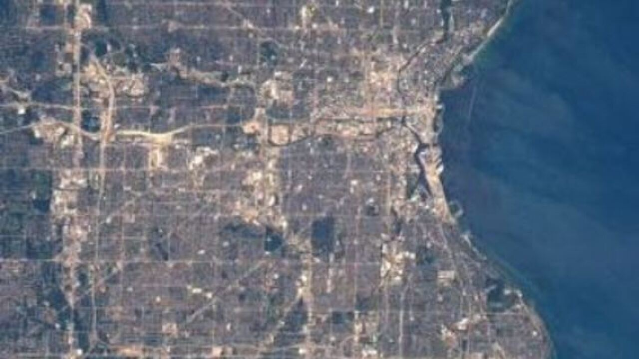 Wisconsin astronaut tweets photos of Milwaukee, Madison, Green Bay from International Space Station