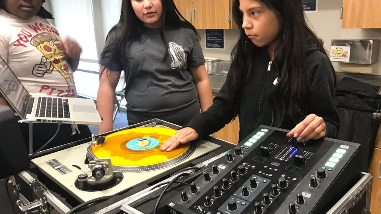 kids can dj program gilder elementary turntable.JPG