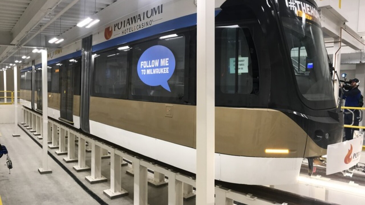 Milwaukee's first streetcar to begin testing