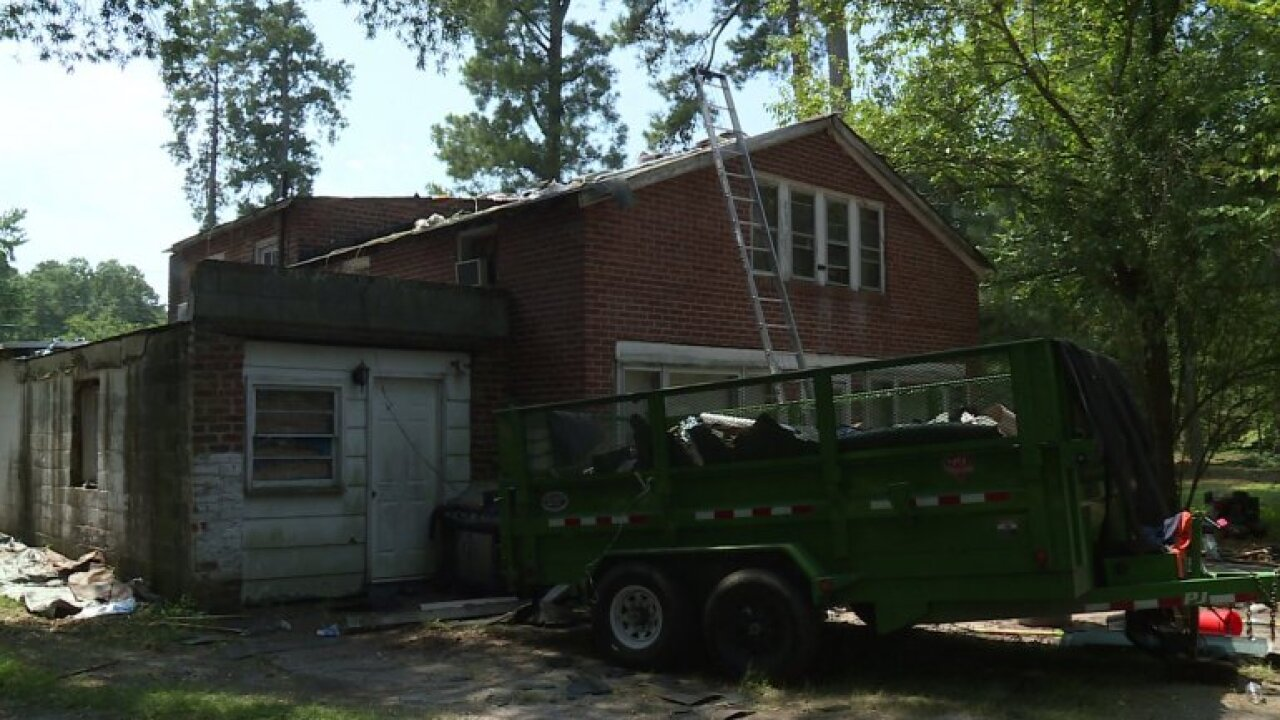 Virginia woman says she's been without water for weeks after building was sold to newowner