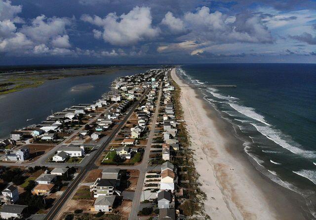 Photos: Florence leaves path of destruction on coast of Carolinas