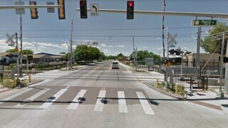 Driving You Crazy: I don't understand why the light rail lights don't match the crossing?