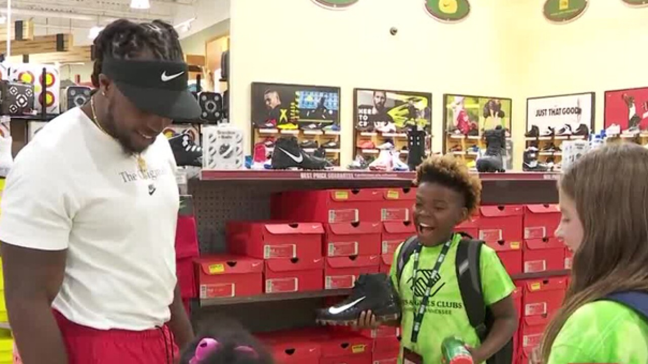 Derrick Henry Takes Kids On Shopping Spree For School Supplies
