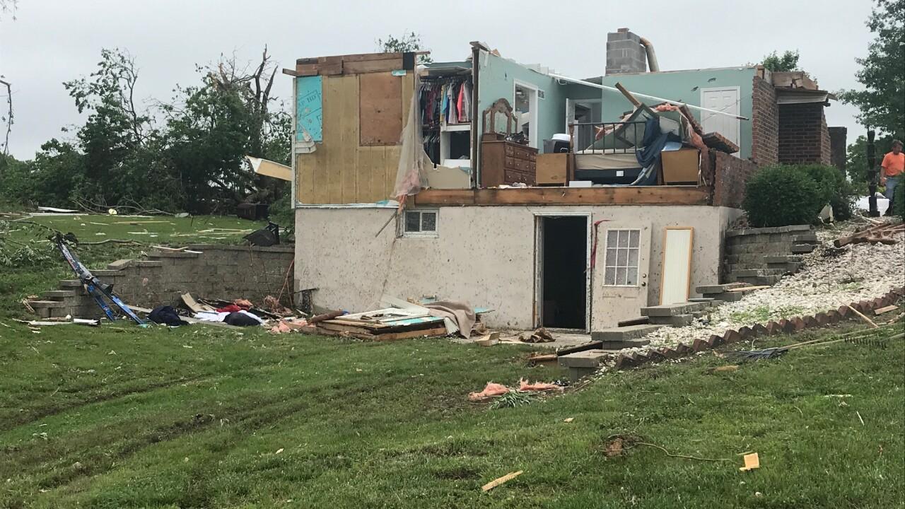 Clay county tornado 3.jpg