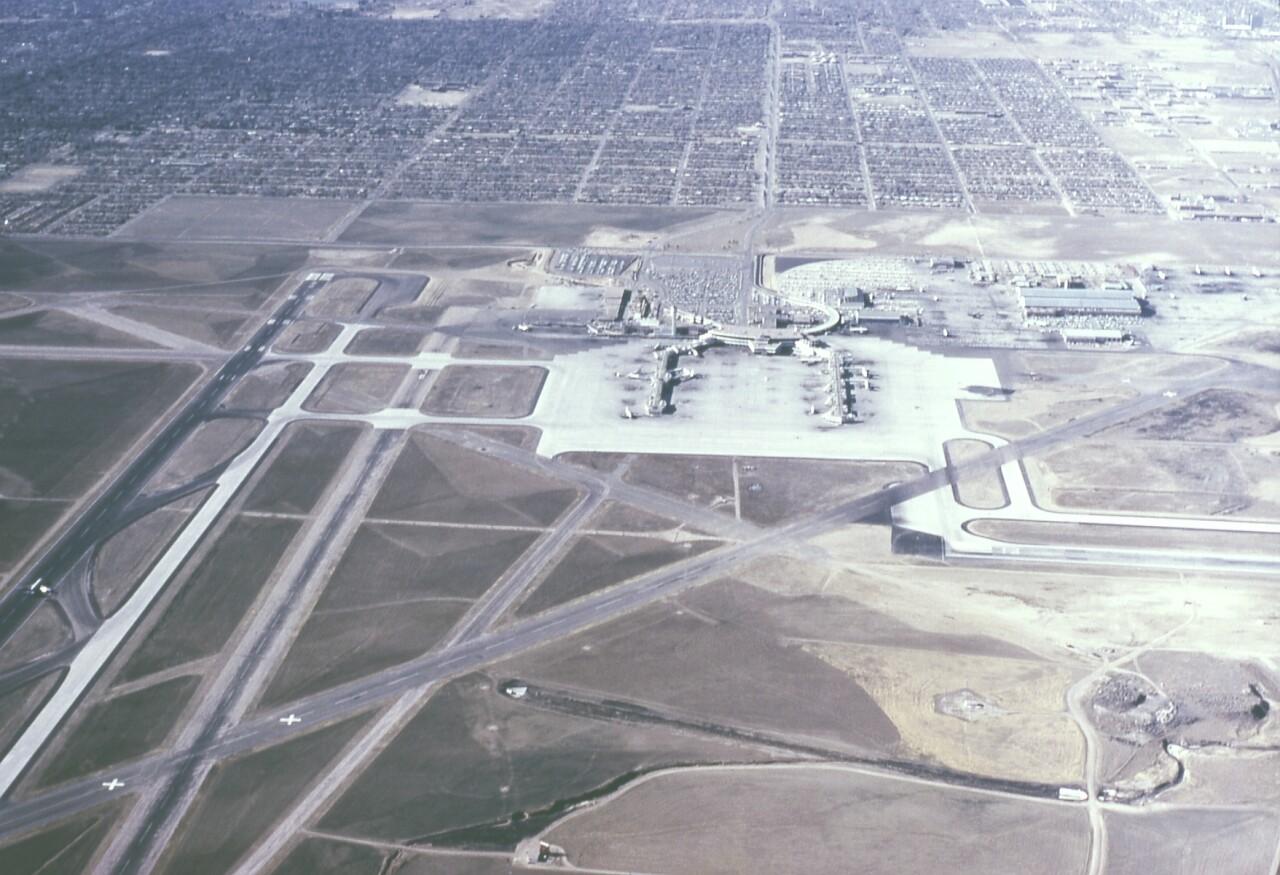 Jan1966-StapletonAirportDenver.jpg