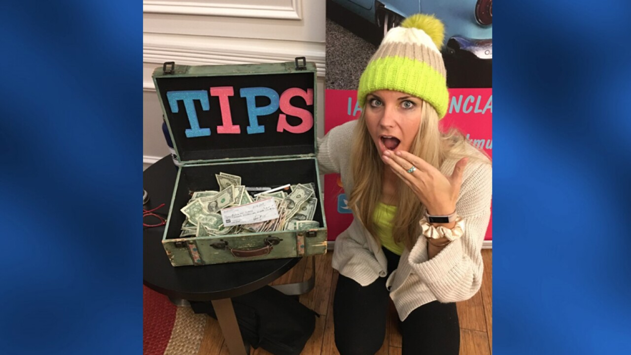 Nashville musician gets $10K tip while performing on Broadway