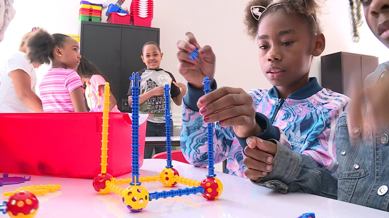 Amazon delivers STEAM to Petersburgschools