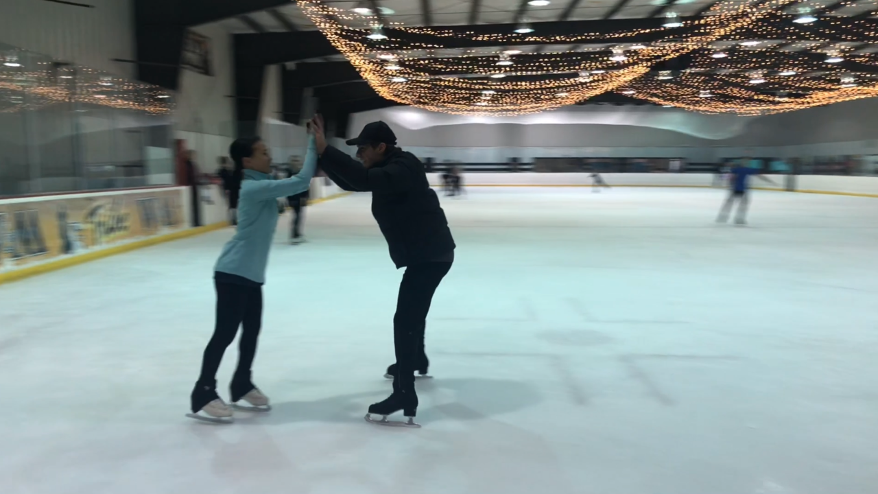 Olympic figure skater Jason Brown visits Hampton Roads Ice Plex