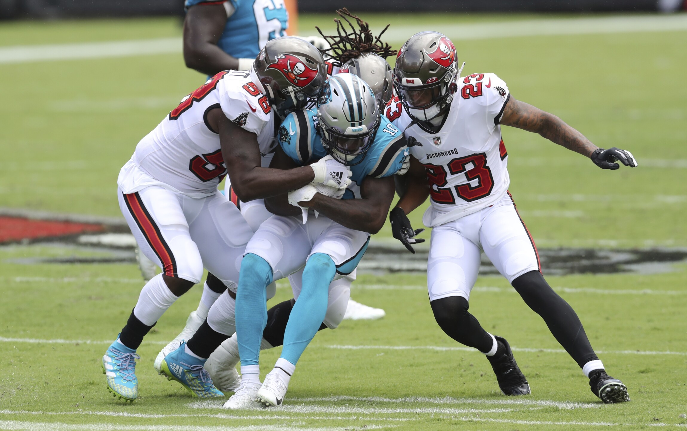 ap-images-buccaneers-panthers-game-sept-20-2020-10