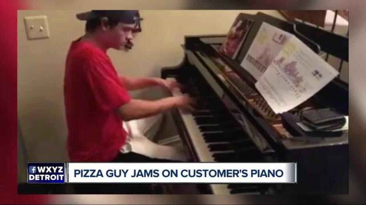 Pizza delivery driver shows off piano skills
