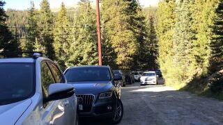 Crowded parking lot at base of Quandary Peak