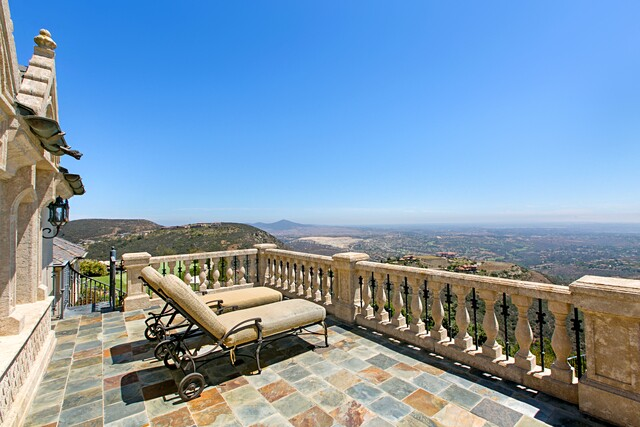 Castle for sale in Rancho Santa Fe