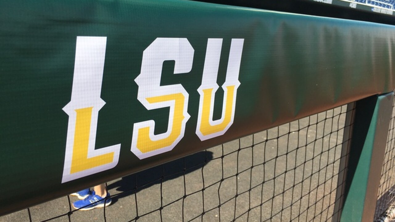 GALLERY: CWS Finals Game One, Florida vs. LSU