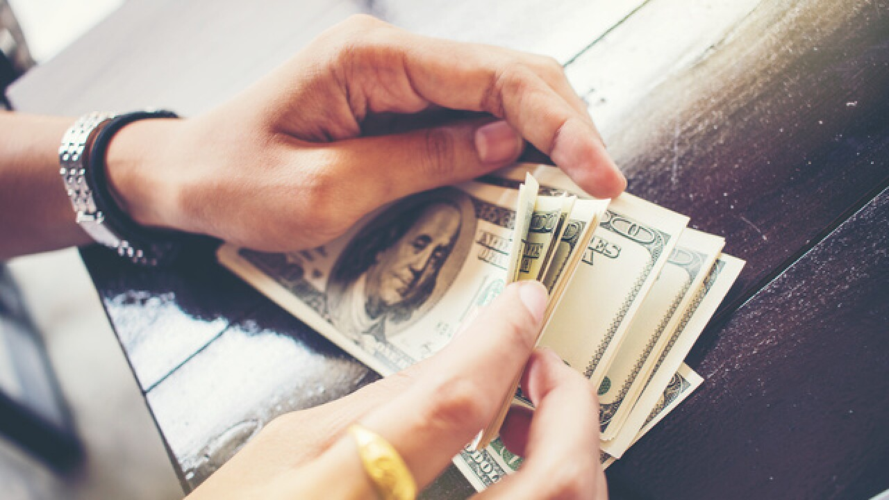 How to manage your money better in 2018!