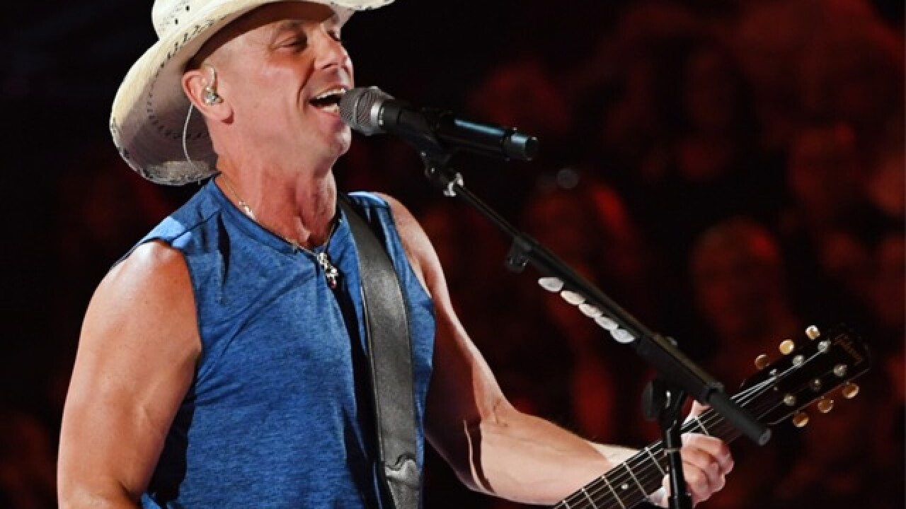"Kenny Chesney performs new single ""Get Along"" on ACMs"