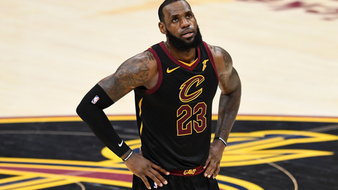 LeBron James nearing deadline on contract option with Cavaliers