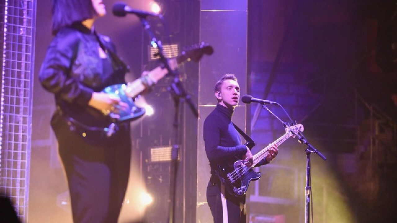 "1st Bank Center fans jam to ""The XX"""
