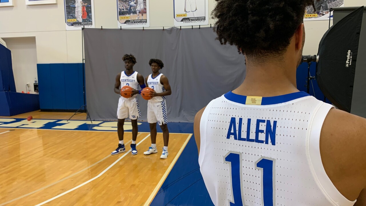 DONTAIE ALLEN BACK TURNED PHOTO DAY 2019.jpg
