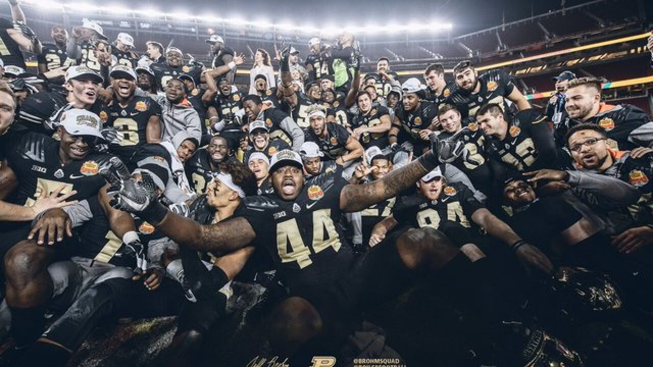 Purdue beats Arizona in Foster Farms Bowl 38-35