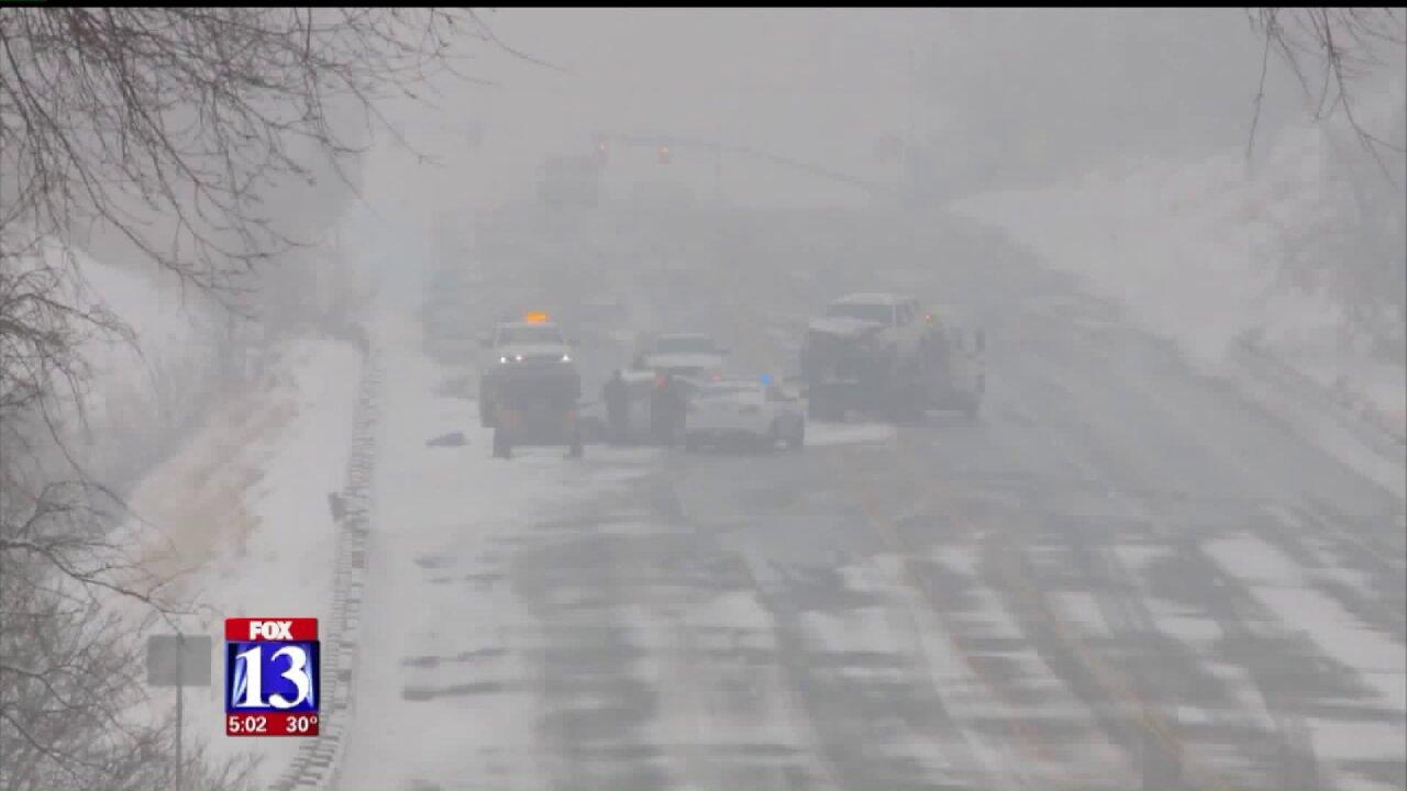 Crews respond to dozens of crashes as winter weather hits UtahThursday