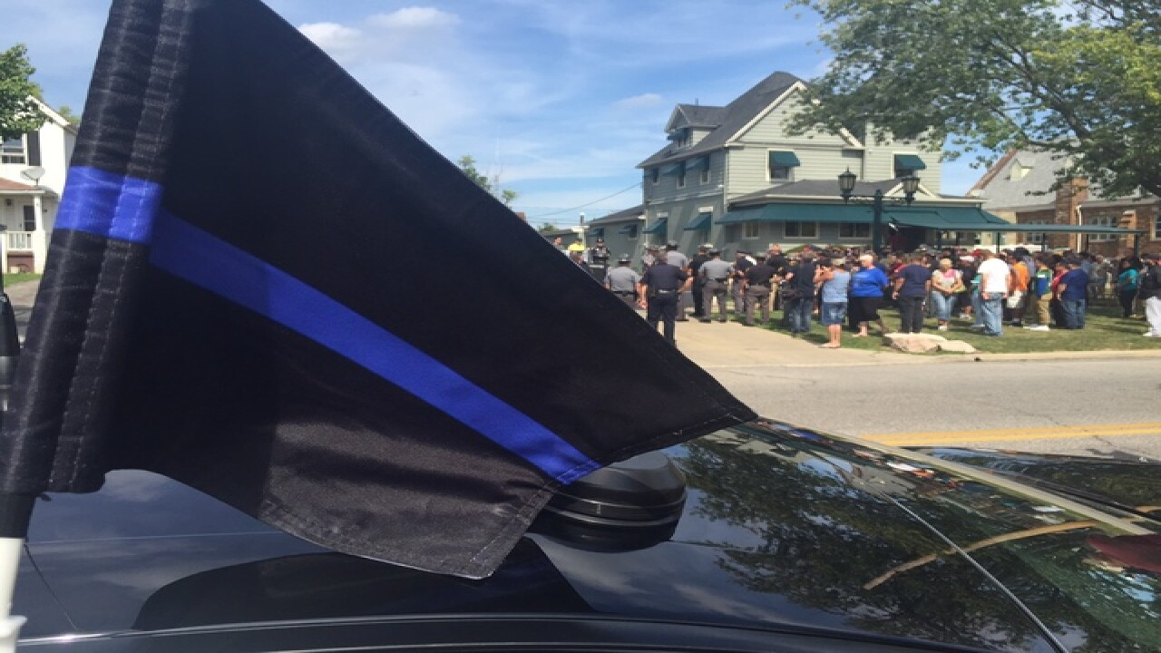 Kasich orders flags at half-staff for trooper