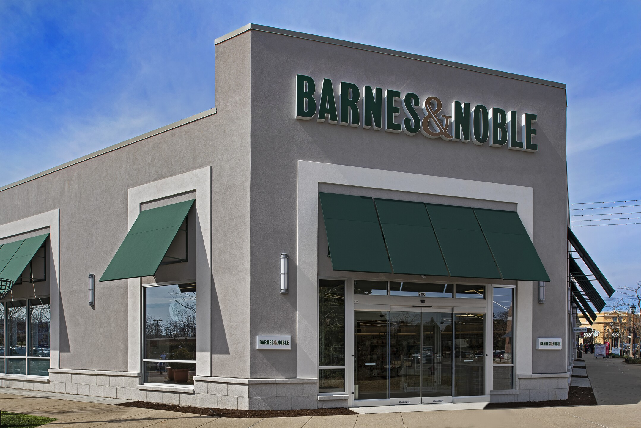 Barnes & Noble Village_21.jpg