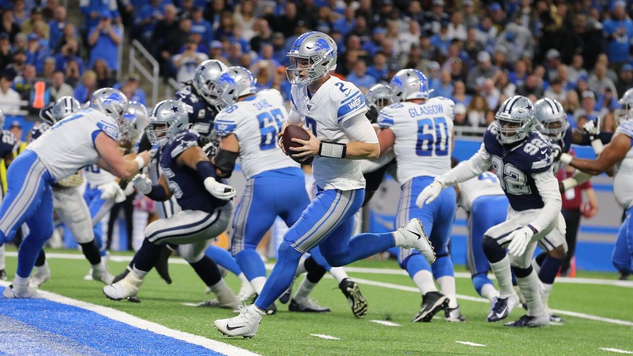 Dak Prescott's four TD passes help Cowboys hold off Lions