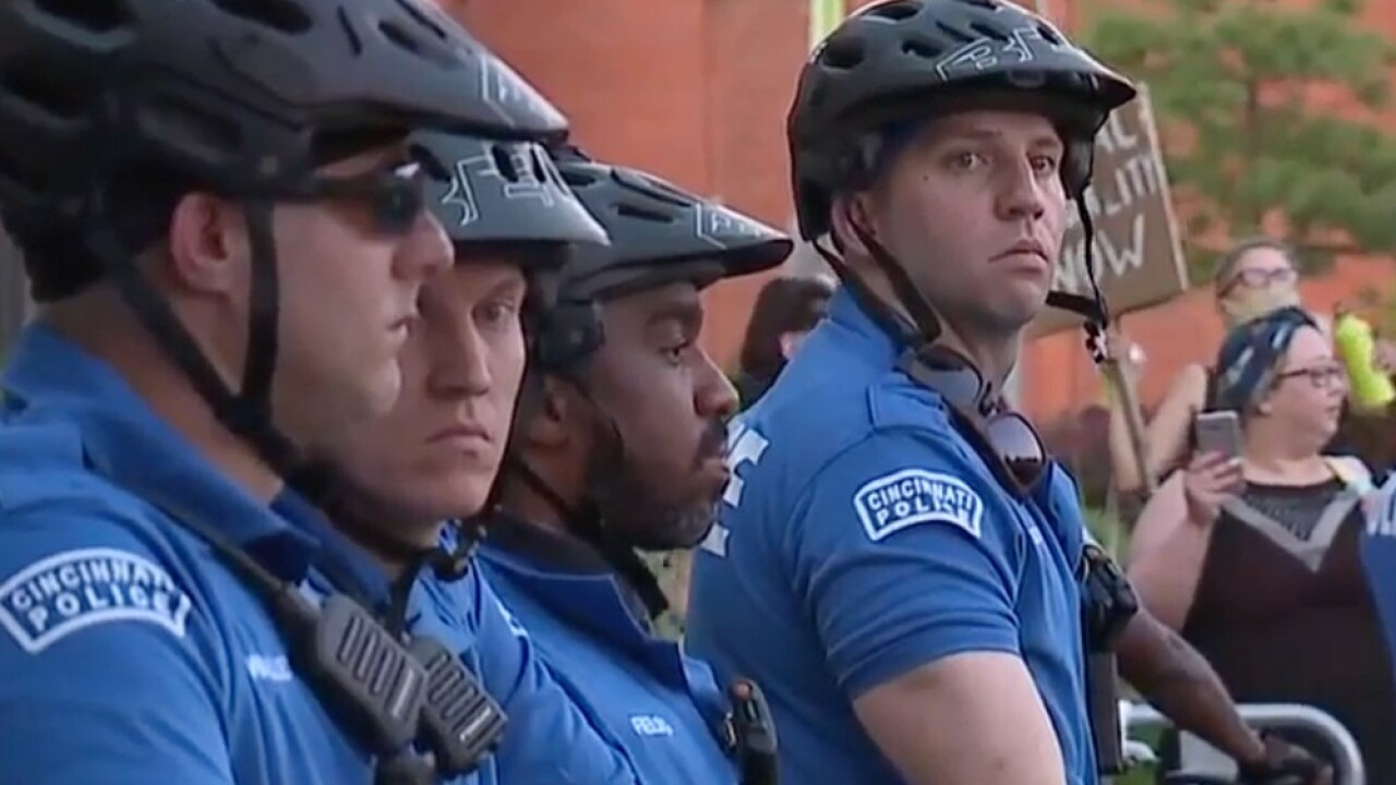 Protests and police at District 1_2.jpg