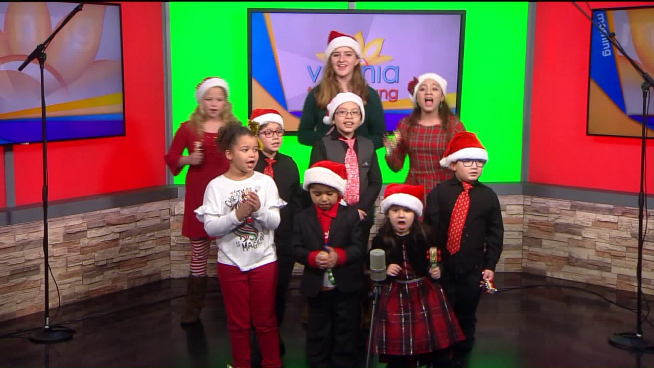 Theatrical Arts fills studio with holidaycheer