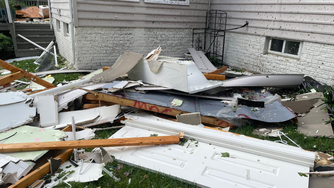 Multiple homes damaged after tornado touches down in Edgewater
