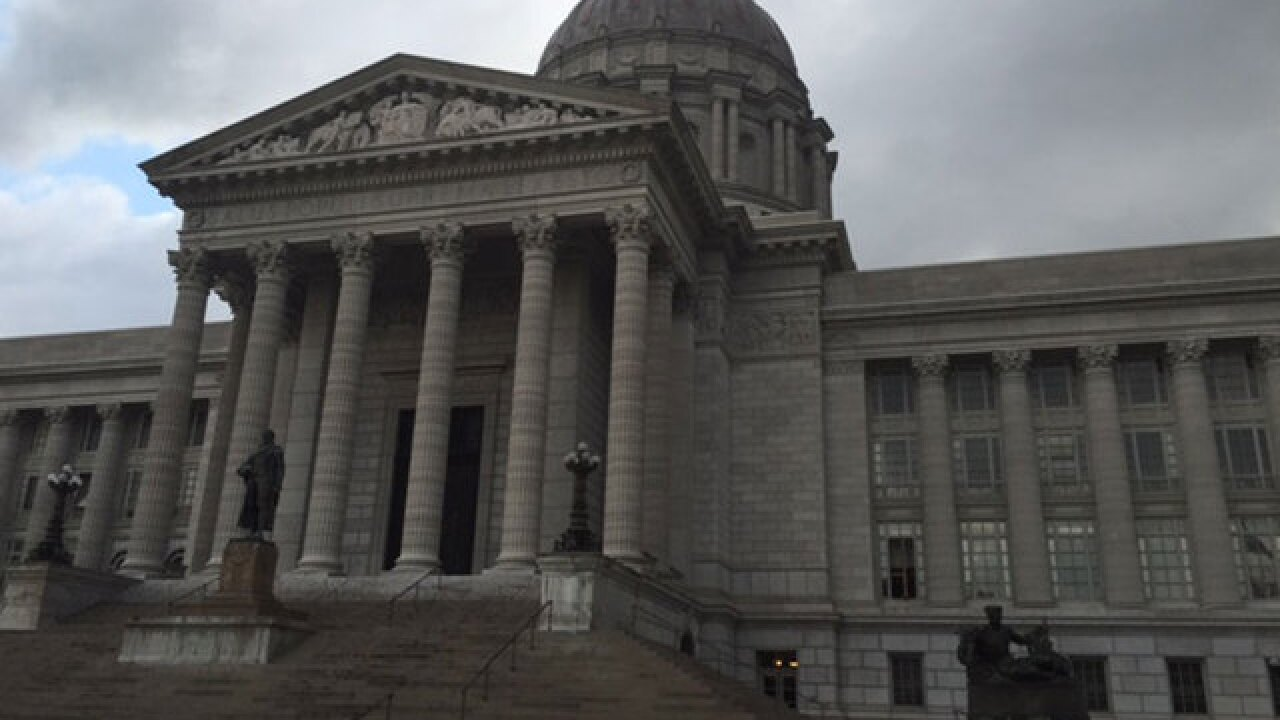 Missouri Legislature passes income tax cut