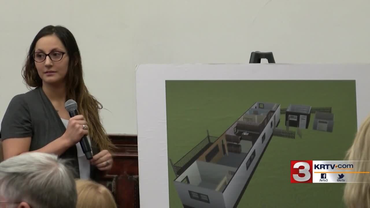 Katelyn testifies at the murder trial of her ex-husband