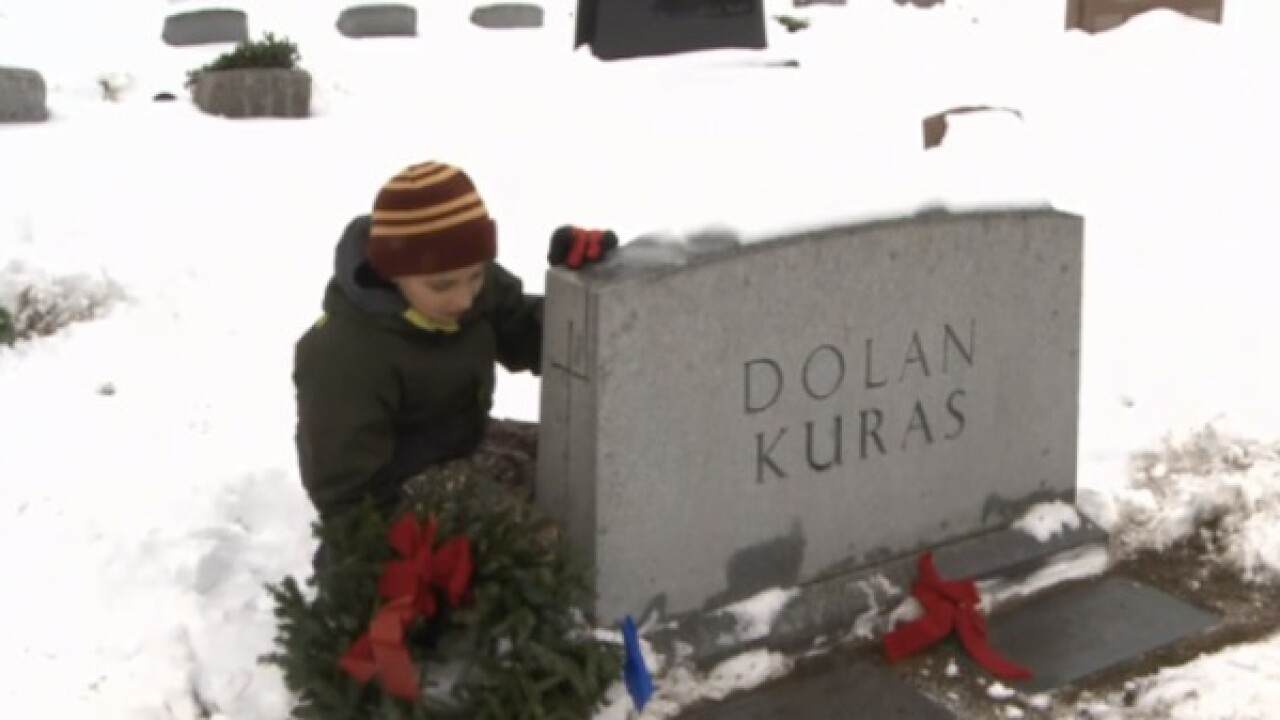 Campaign places wreaths on Veterans graves in Jackson